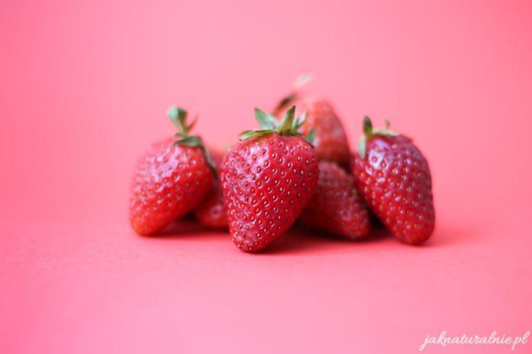 DIY strawberry facial mask